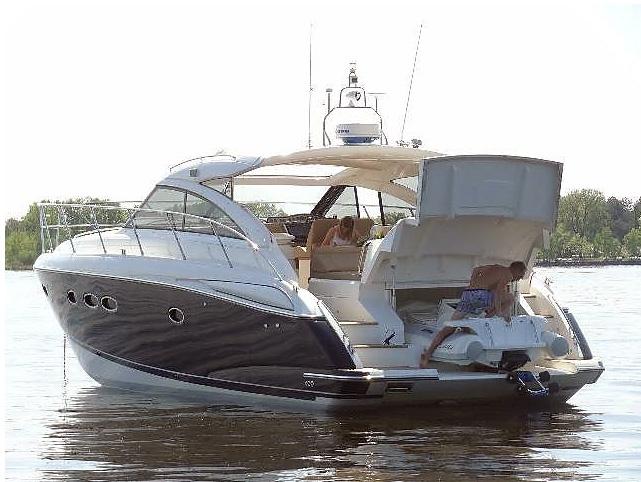 Princess_v45_parking_na_ponton