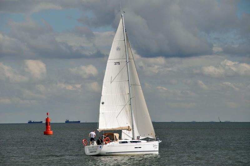 Dufour 375 Grand Large na wodzie 1