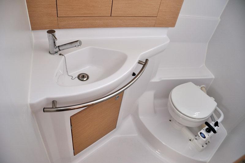 Impression 40  toilet